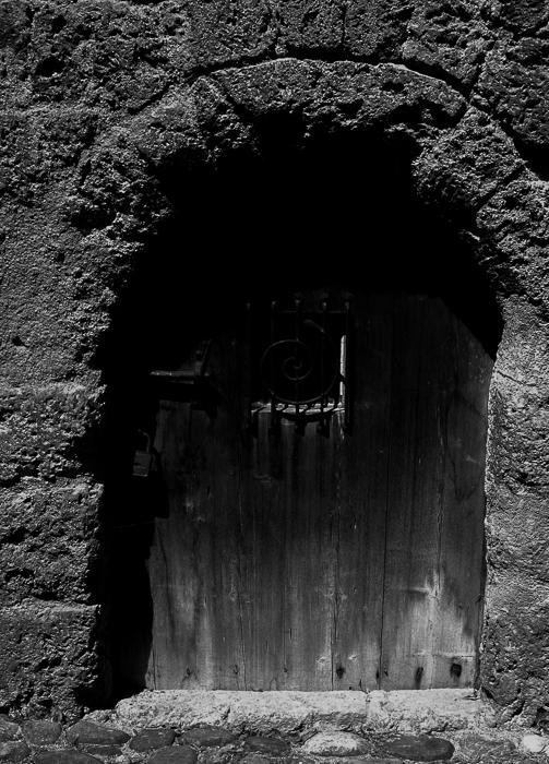bwarch door