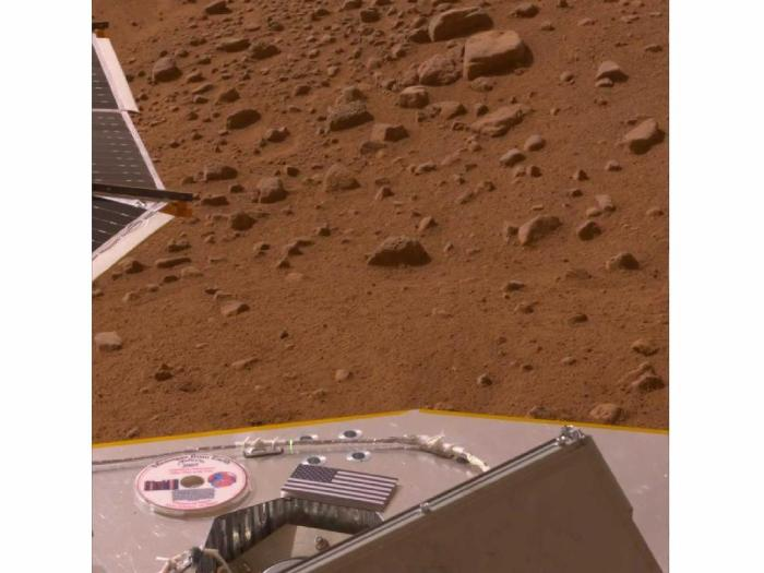 Mars PhoenixLander_1024-768