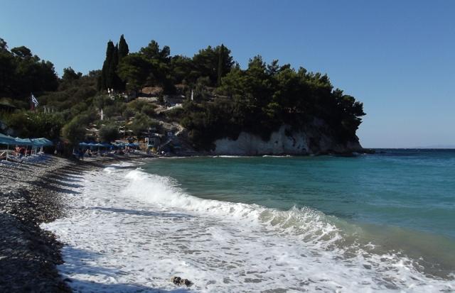9-22-tsamadou-beach-waves