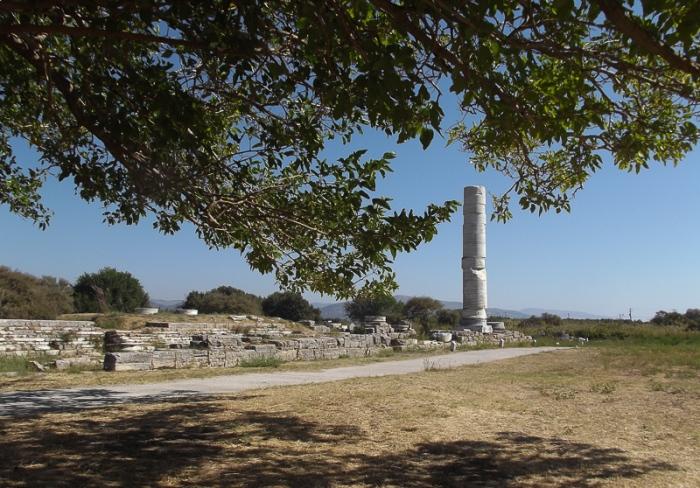 hera-temple-pillar