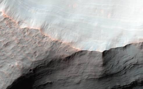 saheki crater