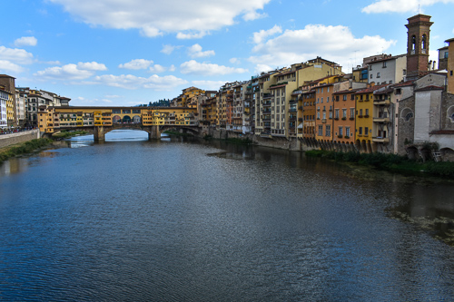 zArno Flows Through Florence